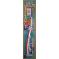 Зубная щетка Aquafresh Tooth & Tongue Красная 129