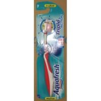 Зубная щетка Aquafresh Triple Action Красная 126